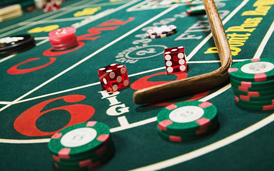 Online casino advantages benefits for gambling on the net you have probably asked yourself if there any difference between playing casino games online and in the traditional casino indeed there some distinctions solutioingenieria Choice Image